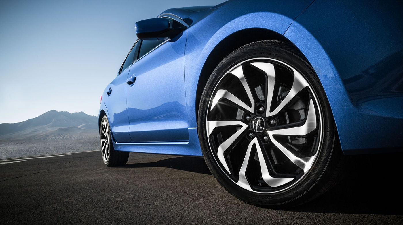 Style is in the 2017 ILX's DNA!