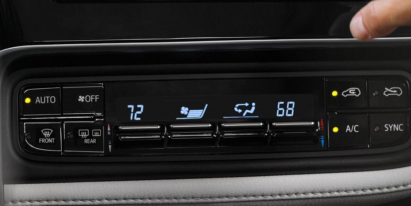 Toyota Corolla iM Dual-Zone Automatic Climate Control