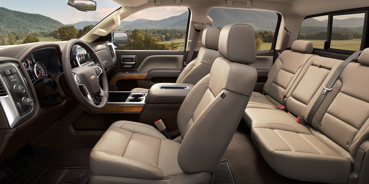 2017 Chevy Silverado 1500 Interior with Cocoa/Dune Leather-Trimmed Seats