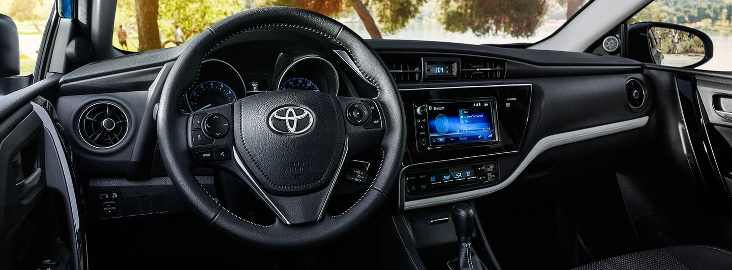 2017 Corolla iM with Dual-zone Automatic Climate Control